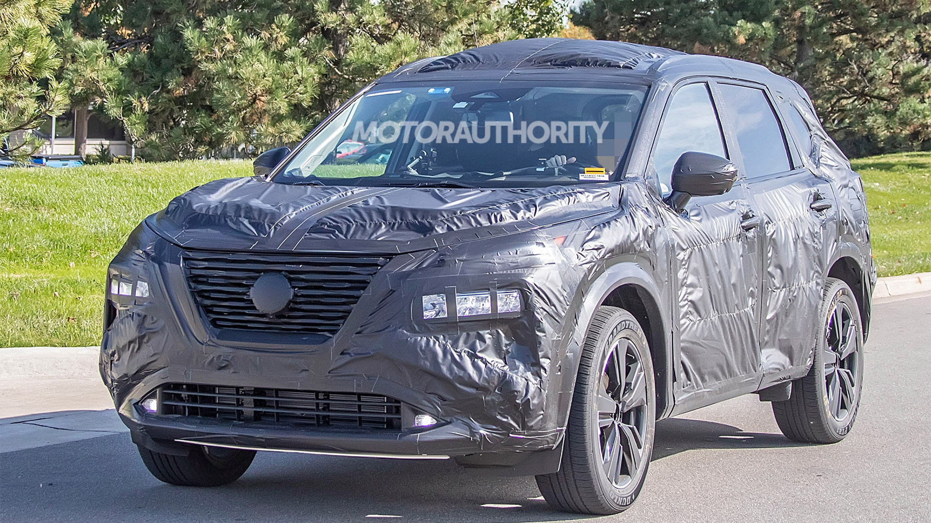 2021 Nissan Rogue spy shots - Photo credit: S. Baldauf/SB-Medien