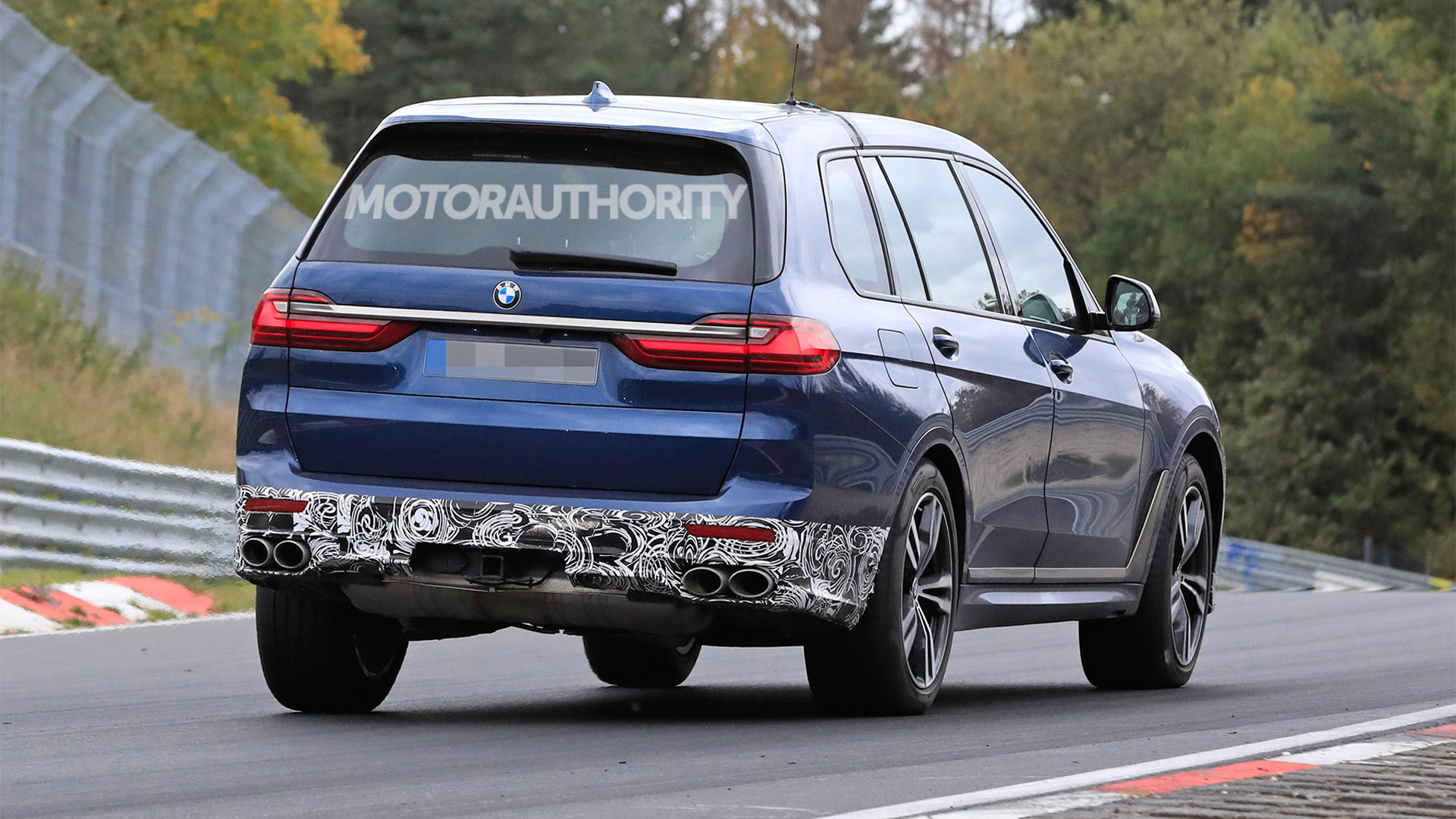 2021 BMW Alpina XB7 spy shots and video
