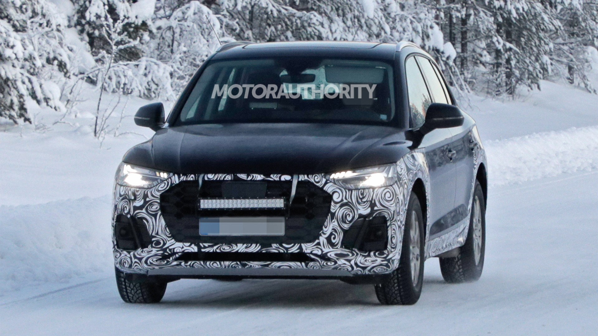 2021 Audi Q5 facelift spy shots - Photo credit: S. Baldauf/SB-Medien