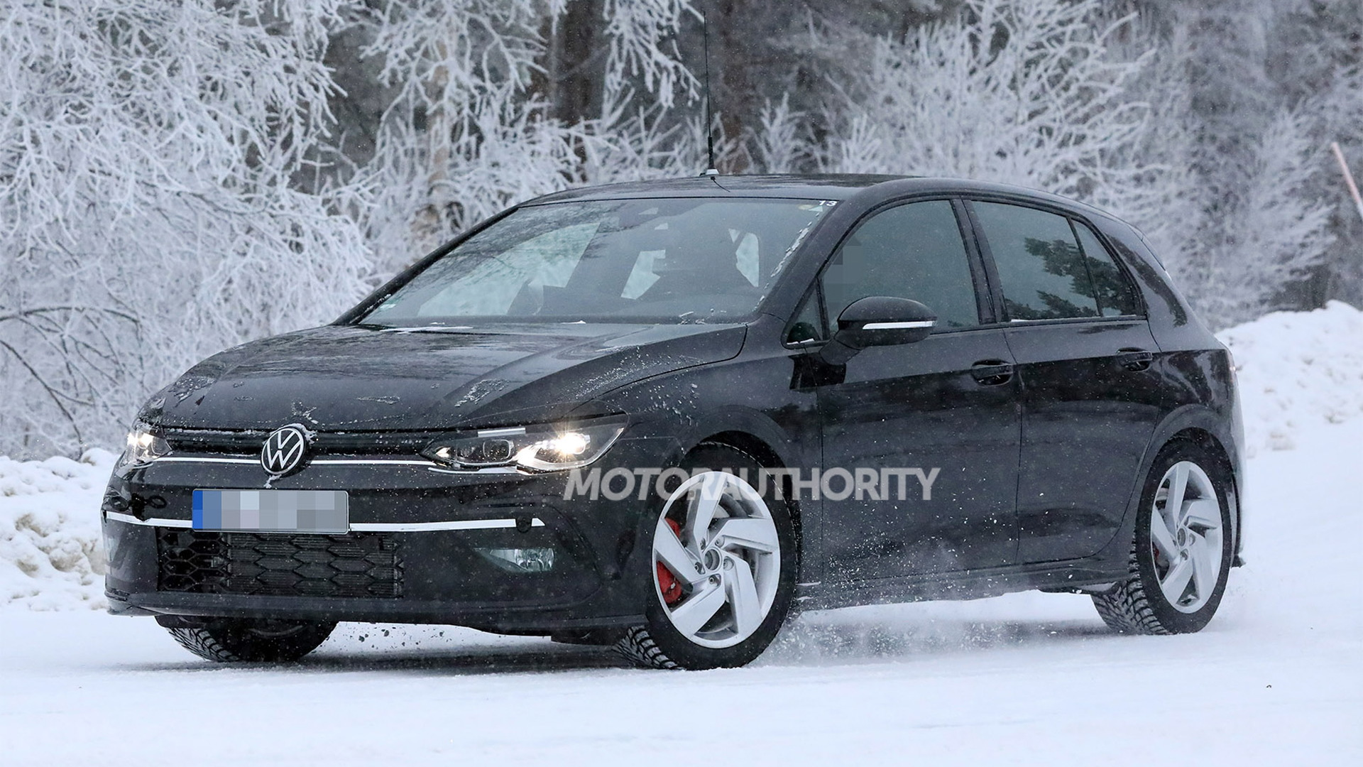2021 Volkswagen Golf GTI spy shots - Photo credit: S. Baldauf/SB-Medien
