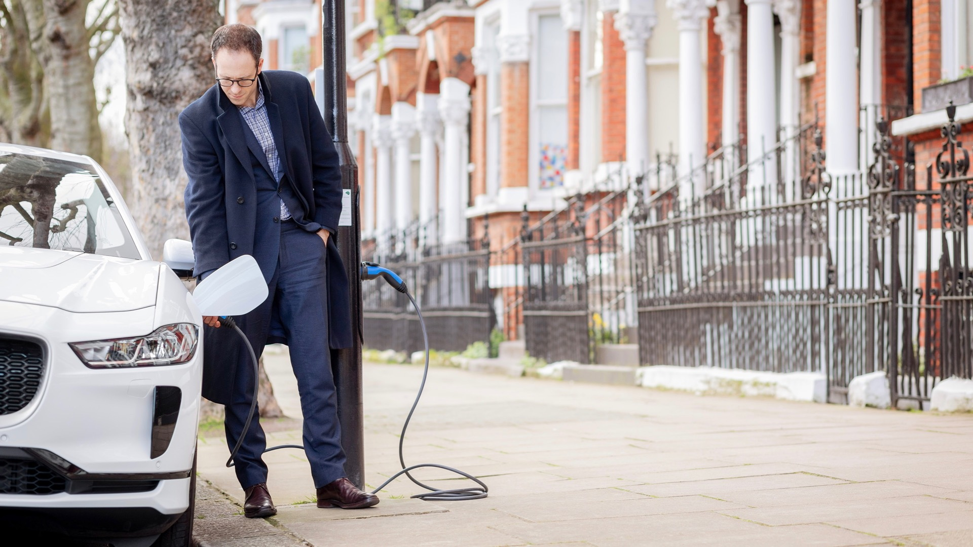 London lampposts equipped for electric-car charging