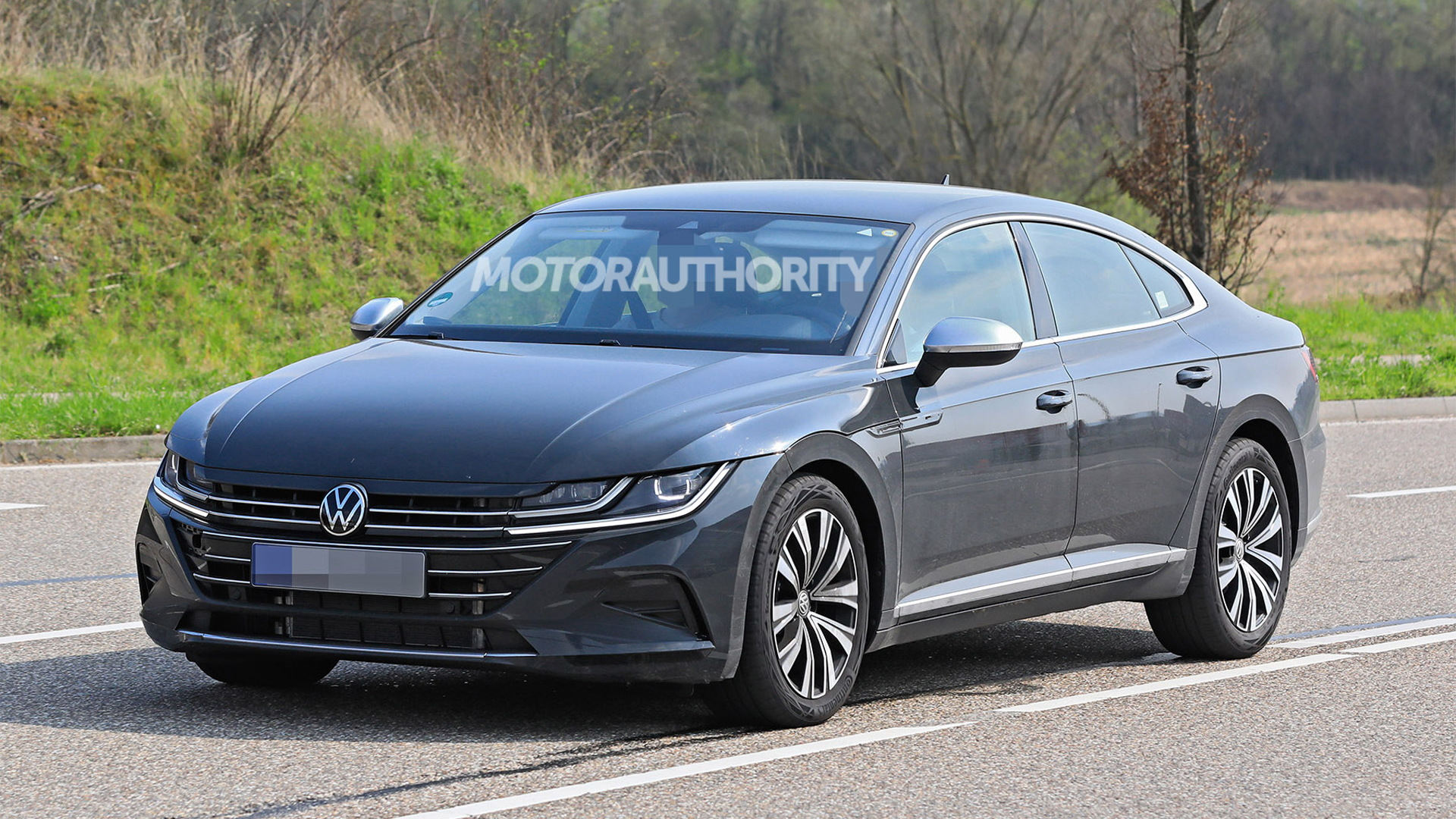 2021 Volkswagen Arteon facelift spy shots - Photo credit: S. Baldauf/SB-Medien