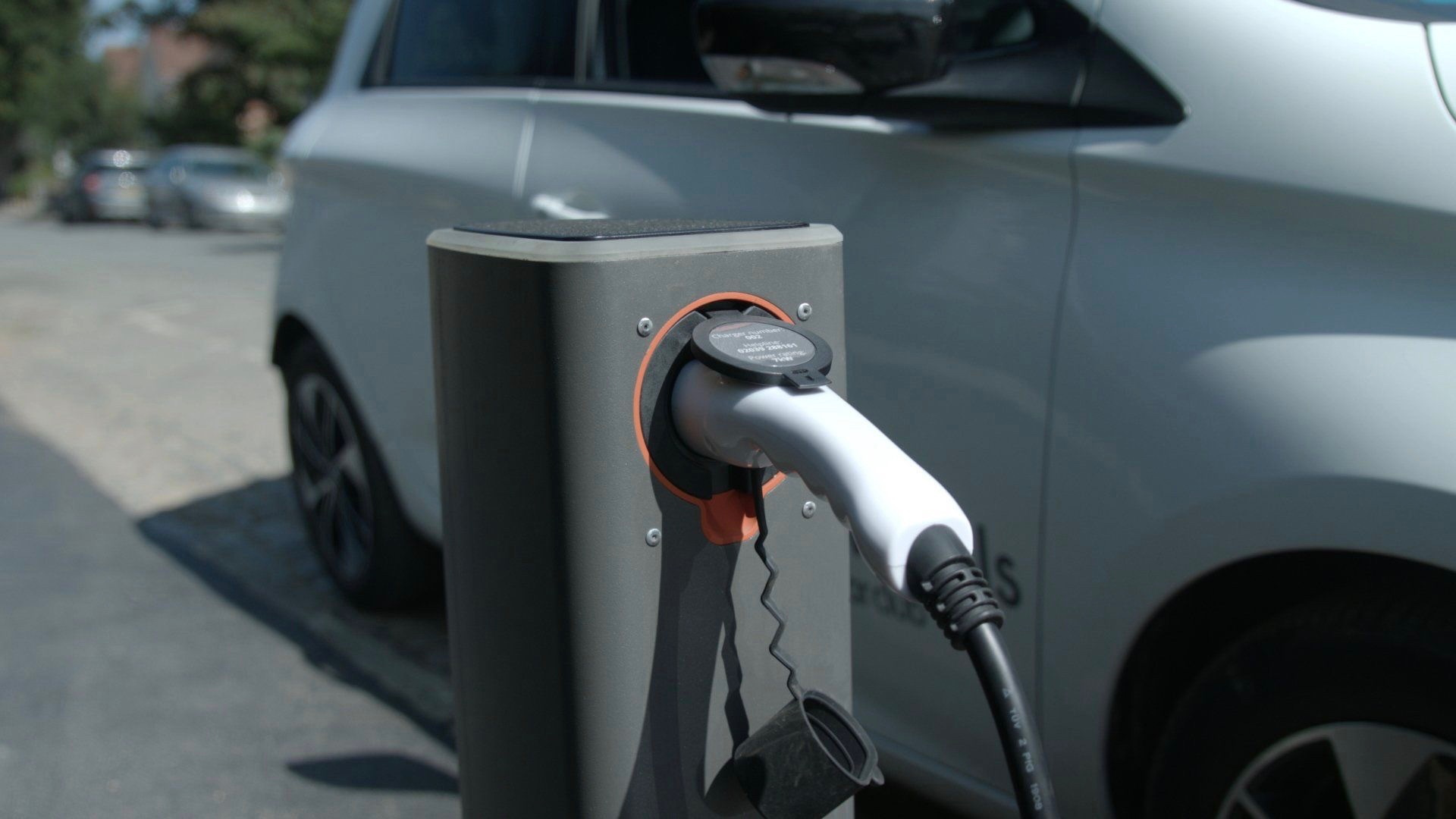 Urban Electric pop-up street-side charging hubs in Britain