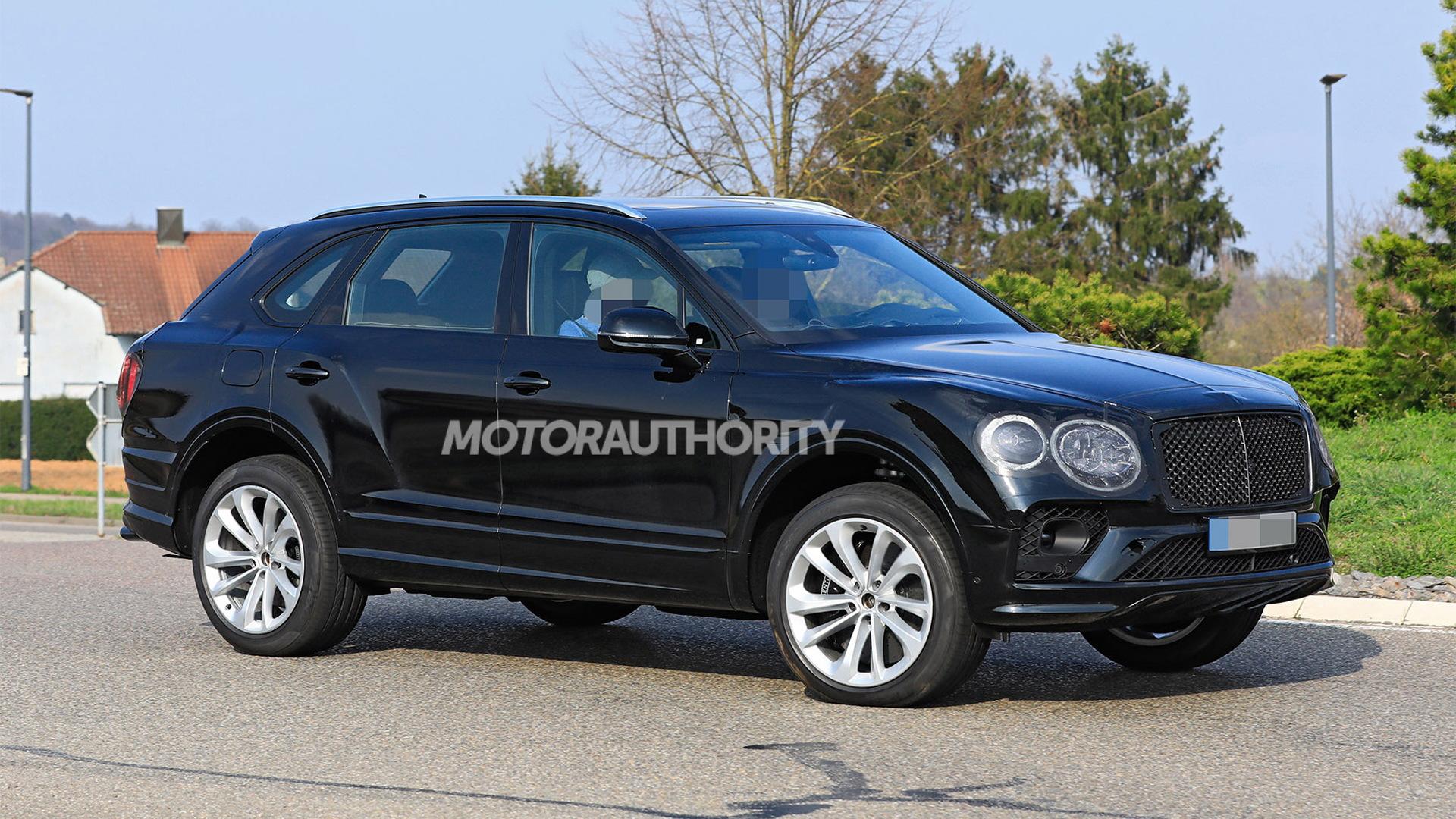 2021 Bentley Bentayga facelift spy shots - Photo credit:S. Baldauf/SB-Medien