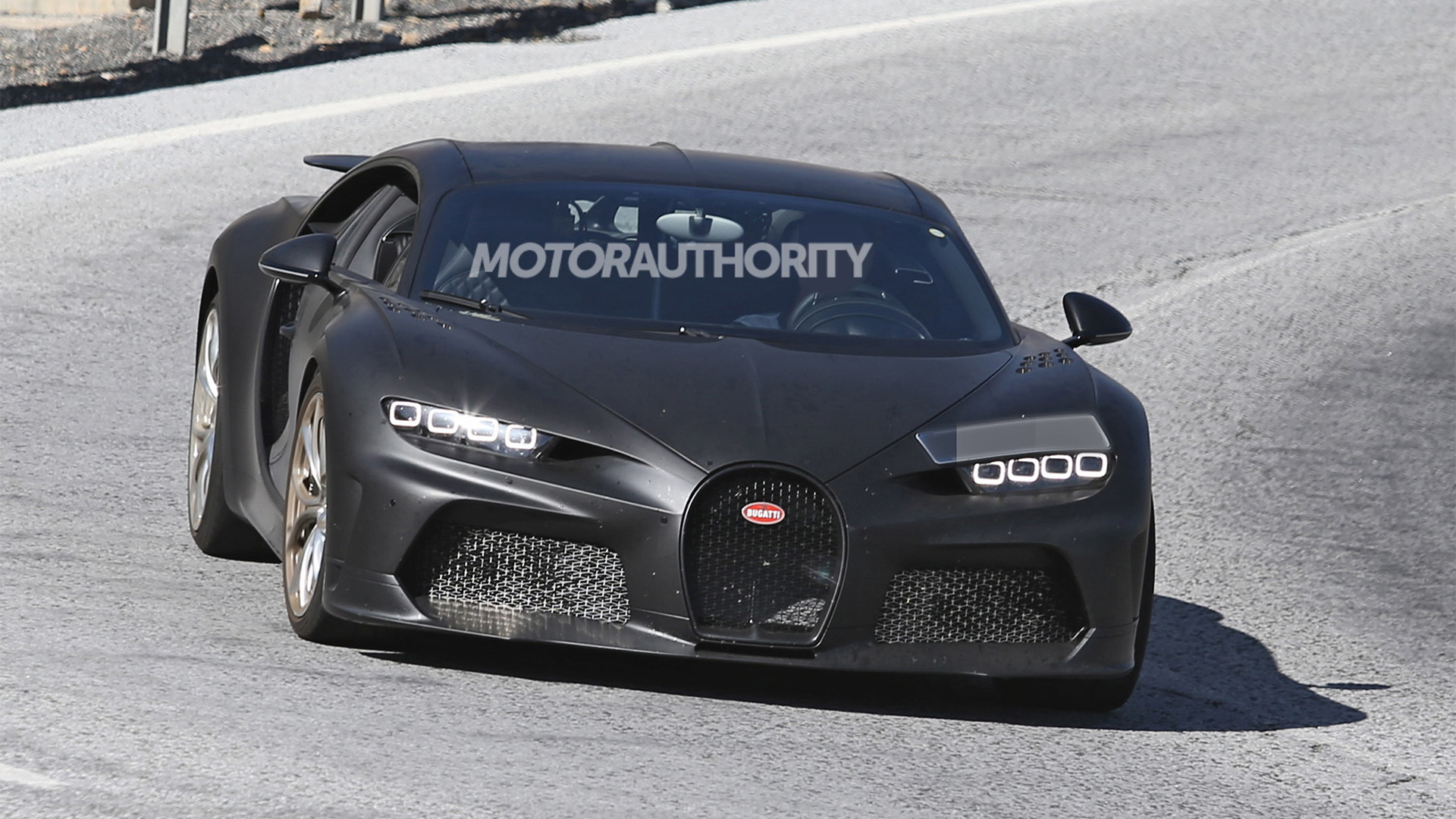 Bugatti Chiron Super Sport 300+ spy shots - Photo credit: S. Baldauf/SB-Medien