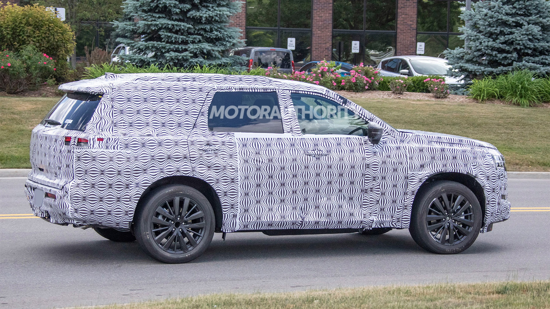 2022 Nissan Pathfinder spy shots - Photo credit: S. Baldauf/SB-Medien