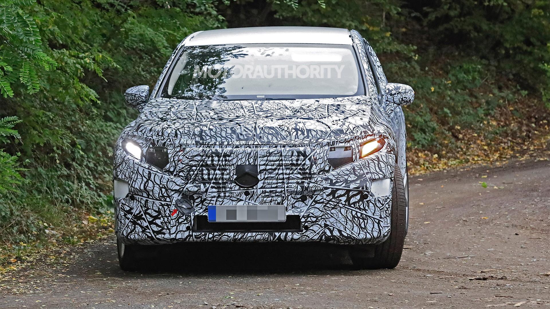 2023 Mercedes-Benz EQS SUV spy shots - Photo credit: S. Baldauf/SB-Medien