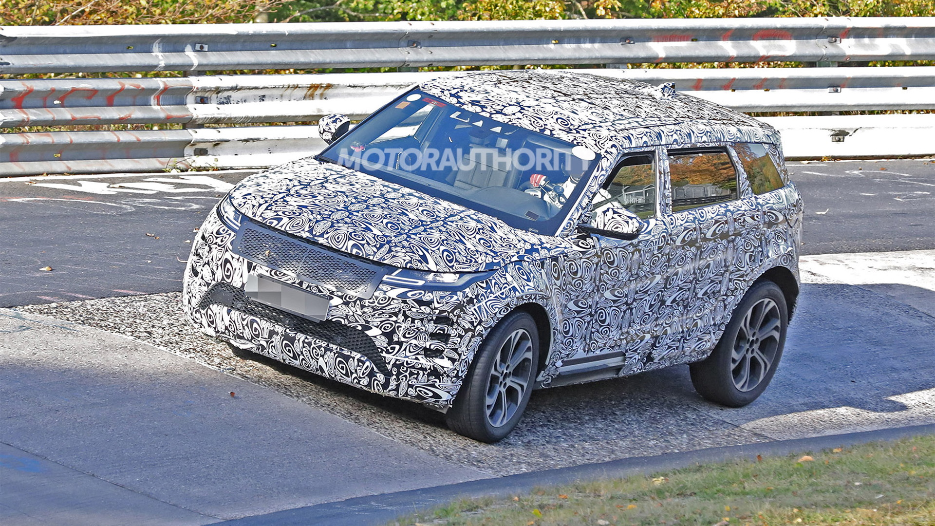 2021 Land Rover Range Rover Evoque Long Wheelbase spy shots - Photo credit: S. Baldauf/SB-Medien