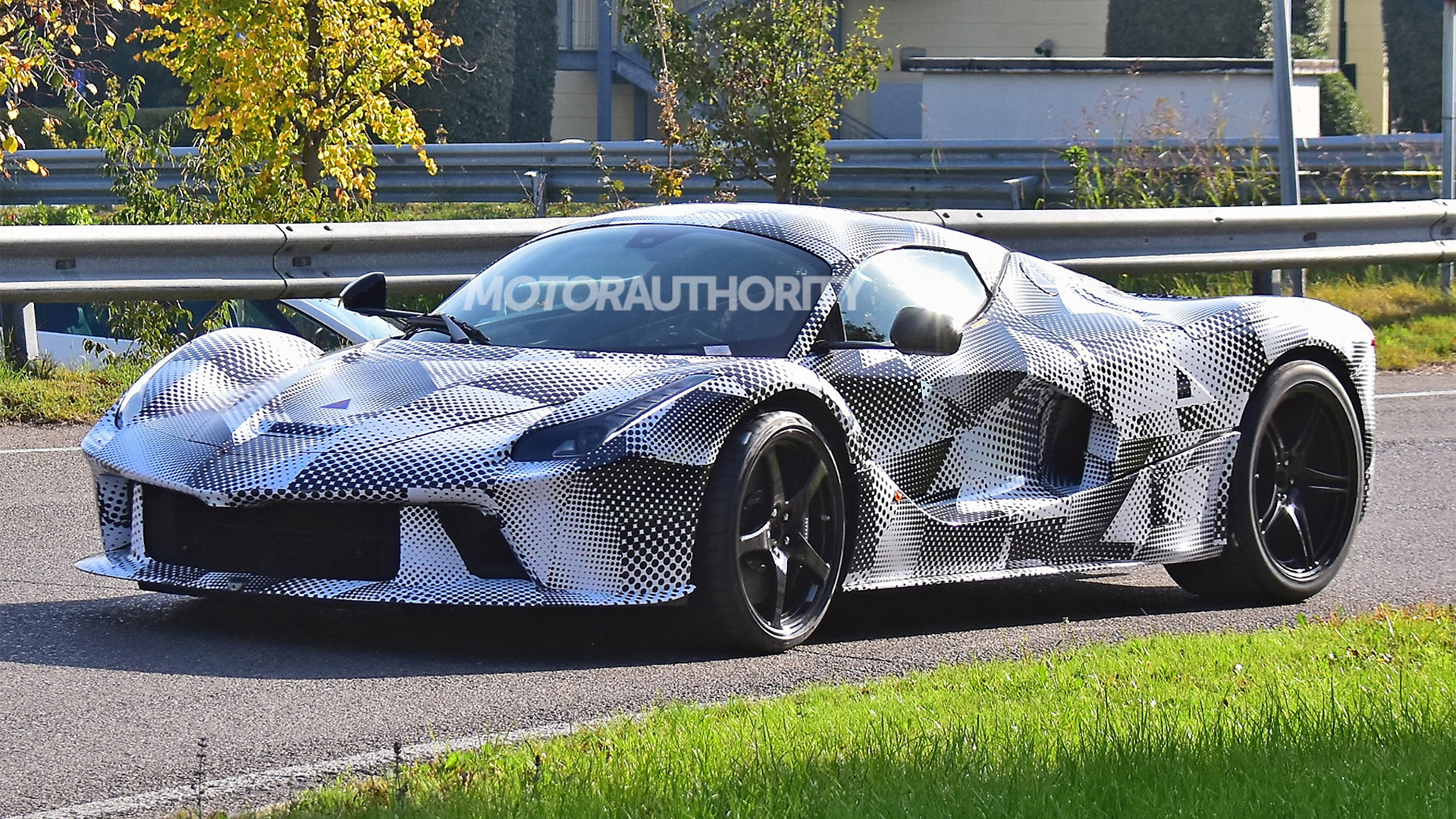 Ferrari Special Series test mule spy shots - Photo credit: S. Baldauf/SB-Medien