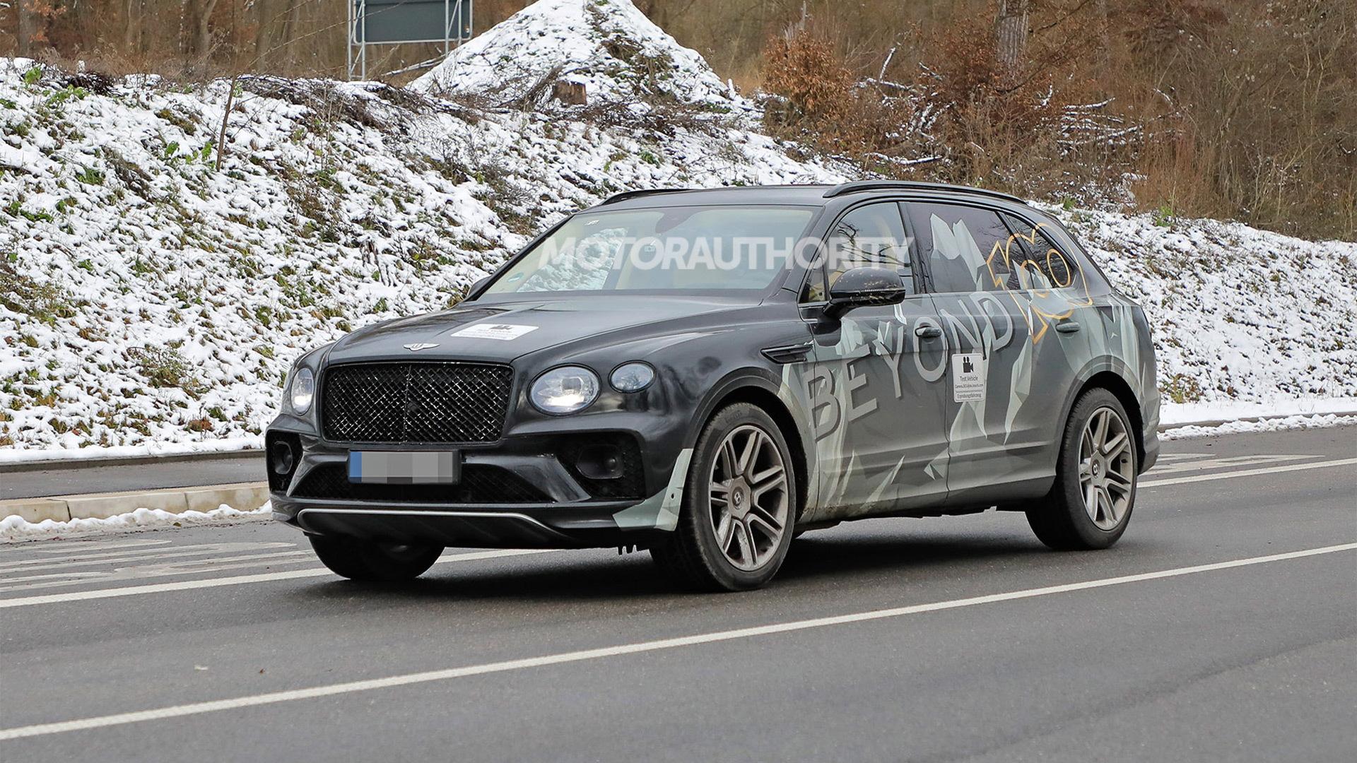 2022 Bentley Bentayga Extended Wheelbase spy shots - Photo credit: S. Baldauf/SB-Medien
