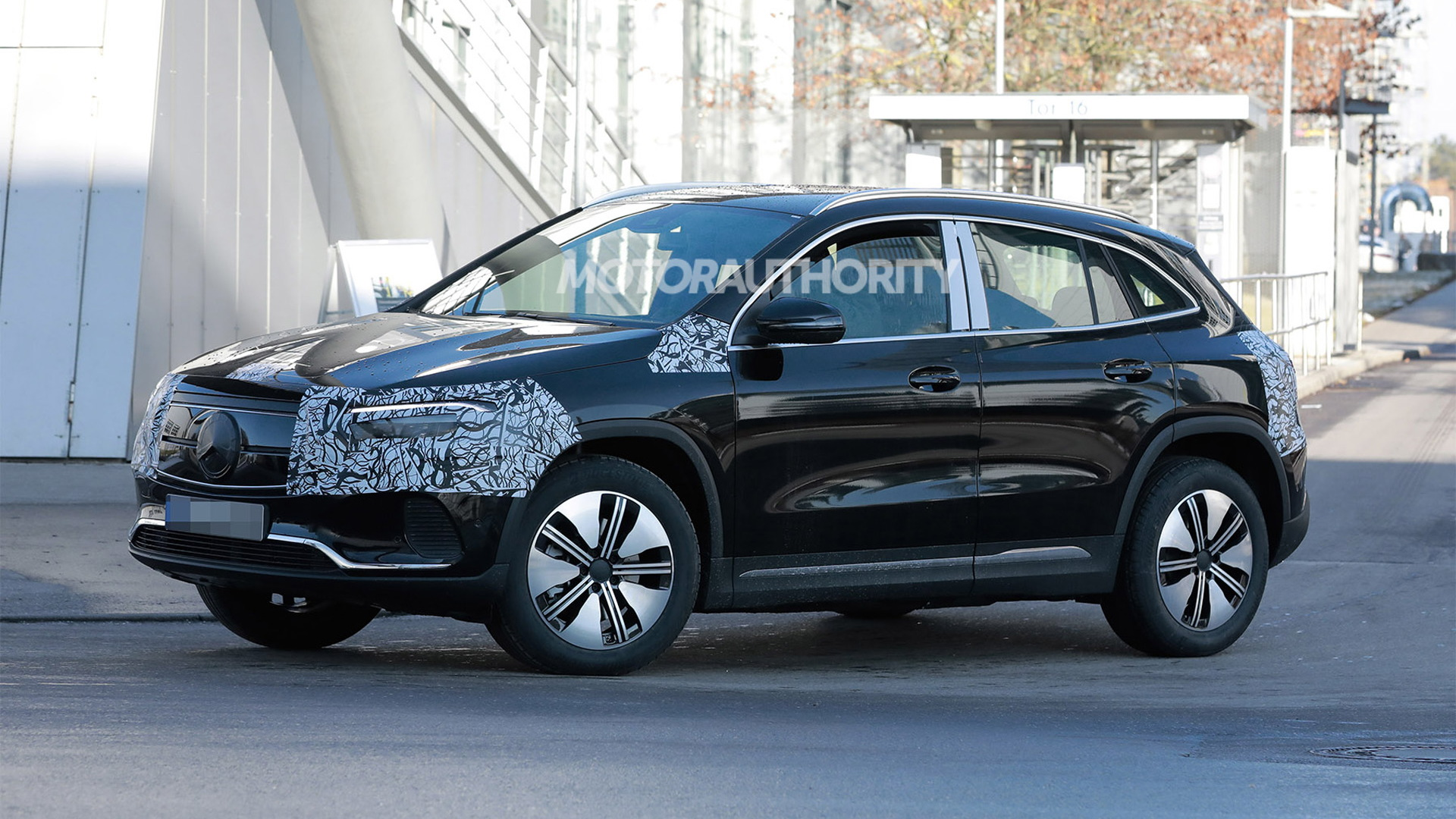 2022 Mercedes-Benz EQA spy shots - Photo credit: S. Baldauf/SB-Medien