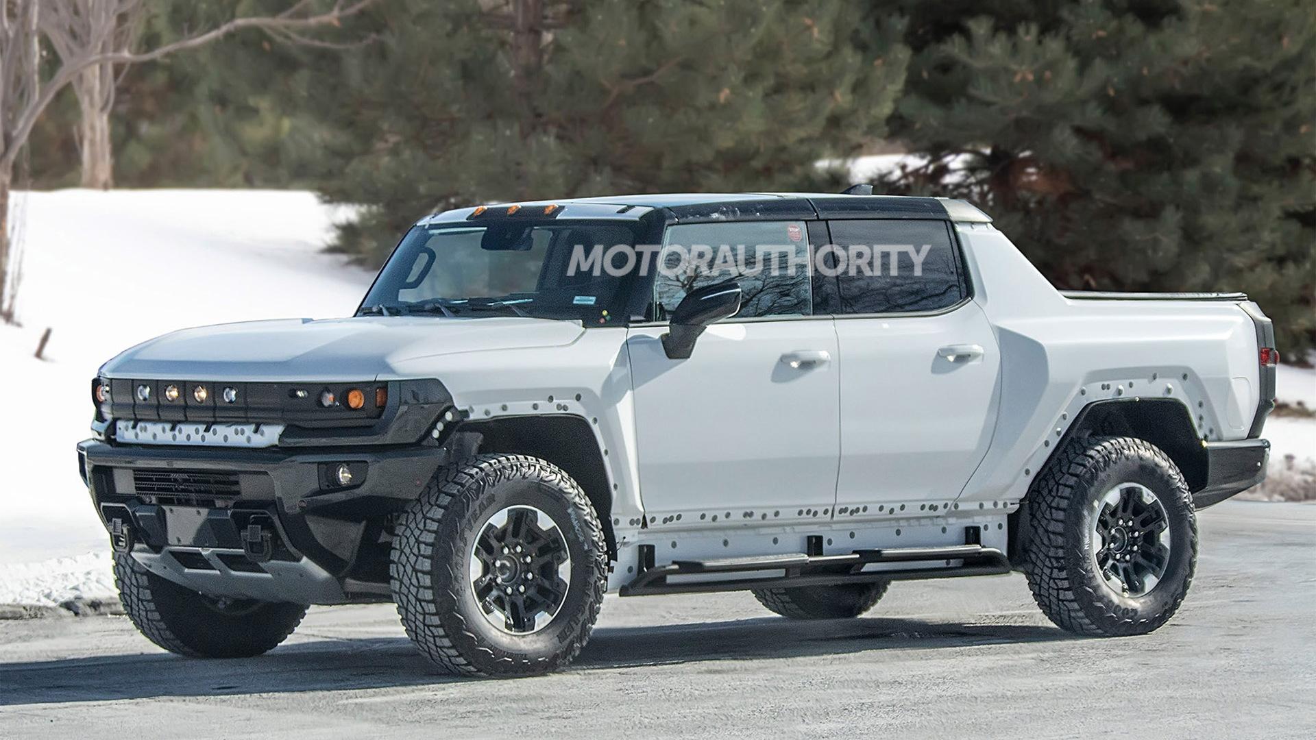 2022 GMC Hummer EV spy shots - Photo credit:S. Baldauf/SB-Medien
