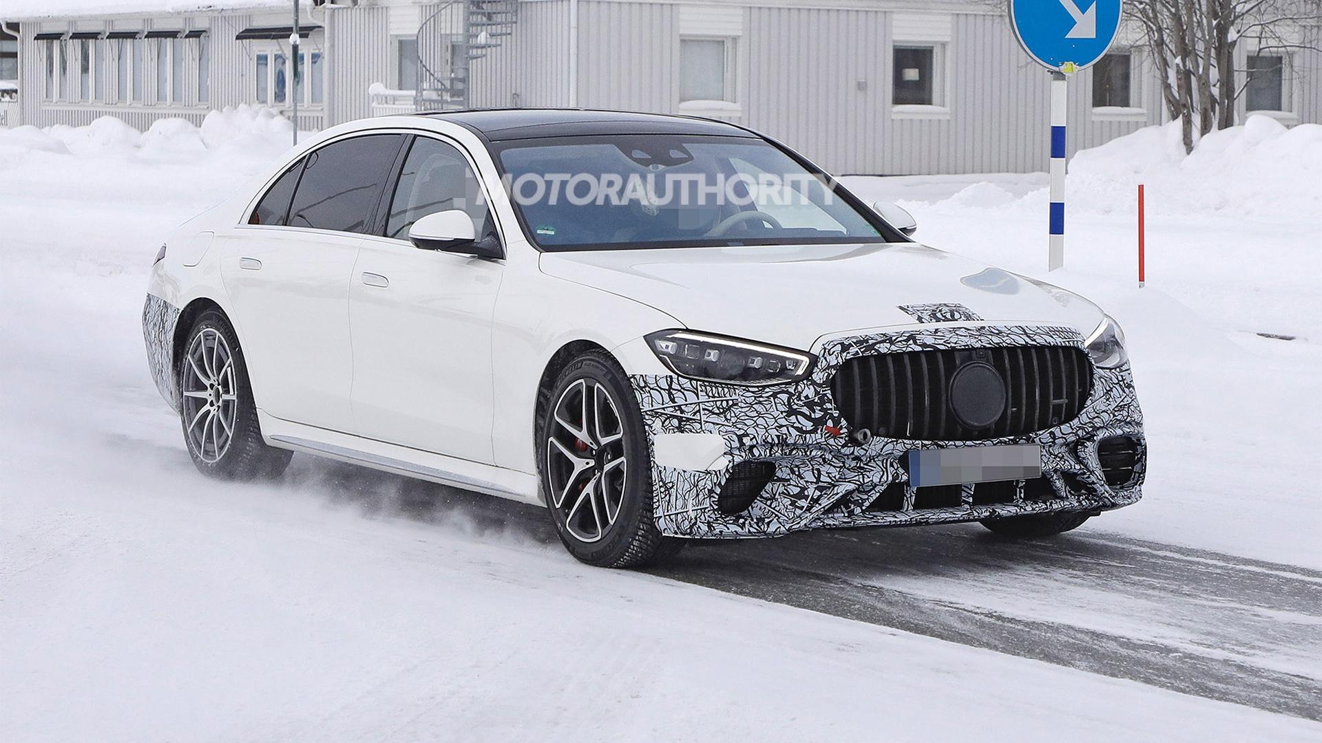 2022 Mercedes-Benz AMG S63e spy shots - Photo credit: S. Baldauf/SB-Medien