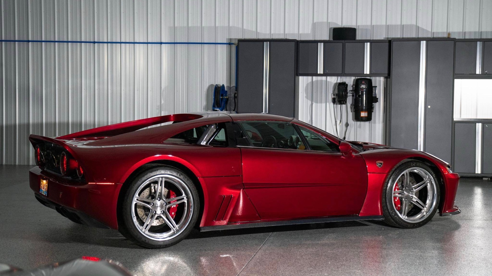 2014 Falcon F7 (Photo by Cars and Bids)