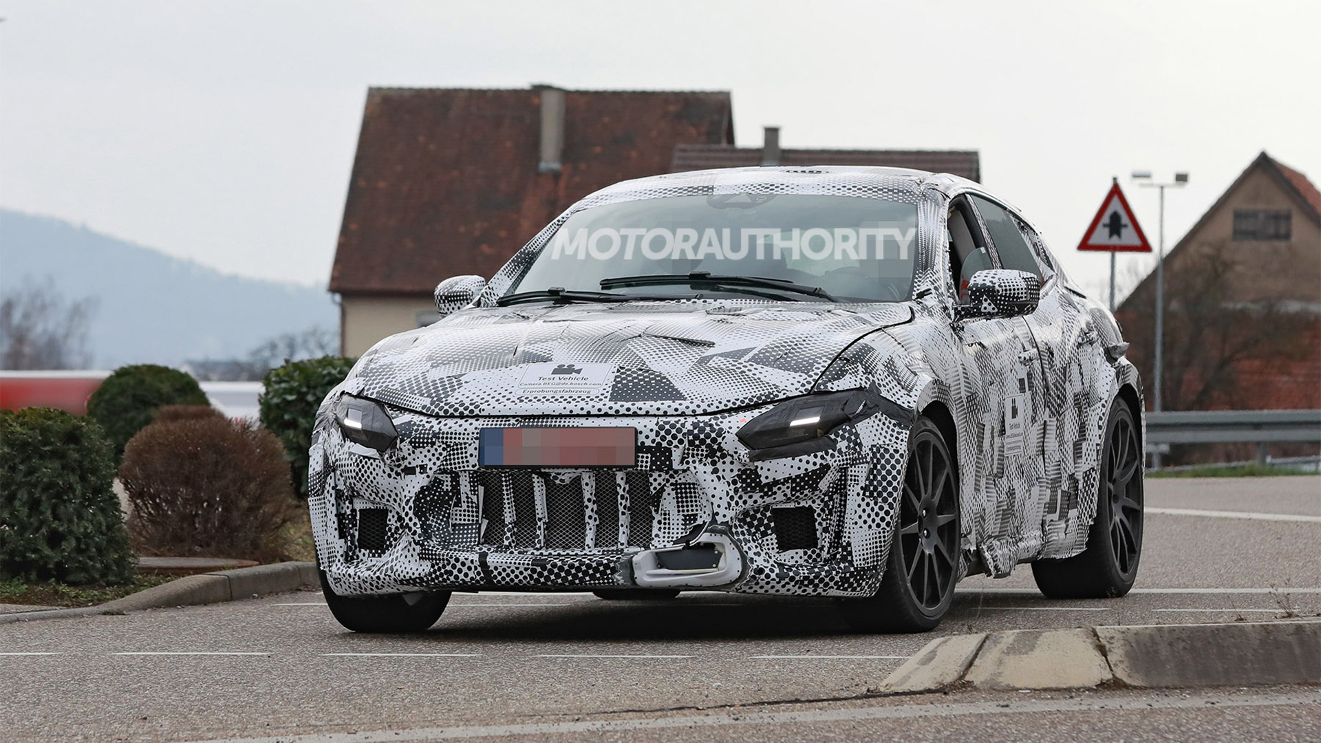 2023 Ferrari Purosangue test mule spy shots - Photo credit: S. Baldauf/SB-Medien