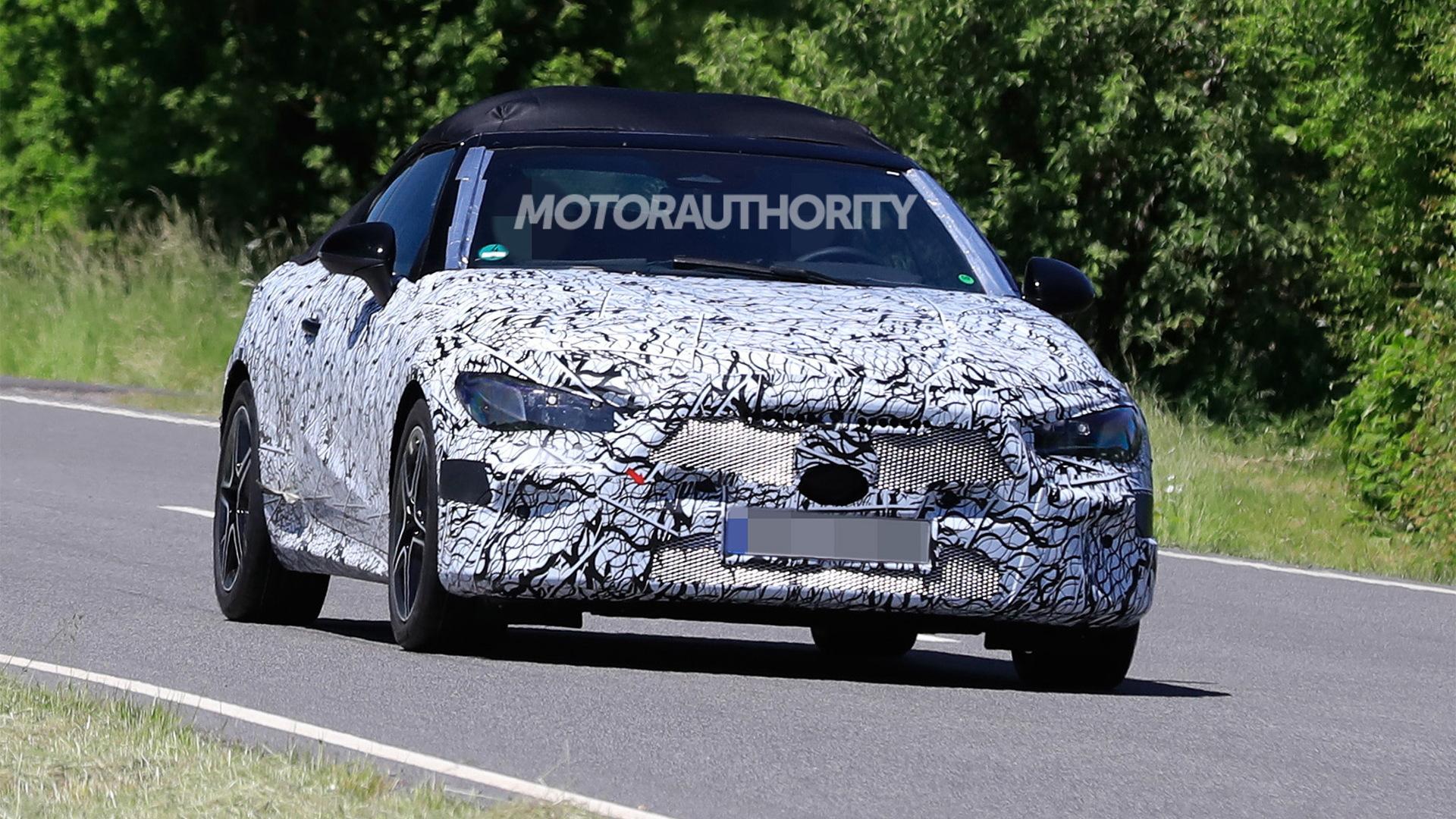 2023 Mercedes-Benz C-Class Cabriolet spy shots - Photo credit:S. Baldauf/SB-Medien