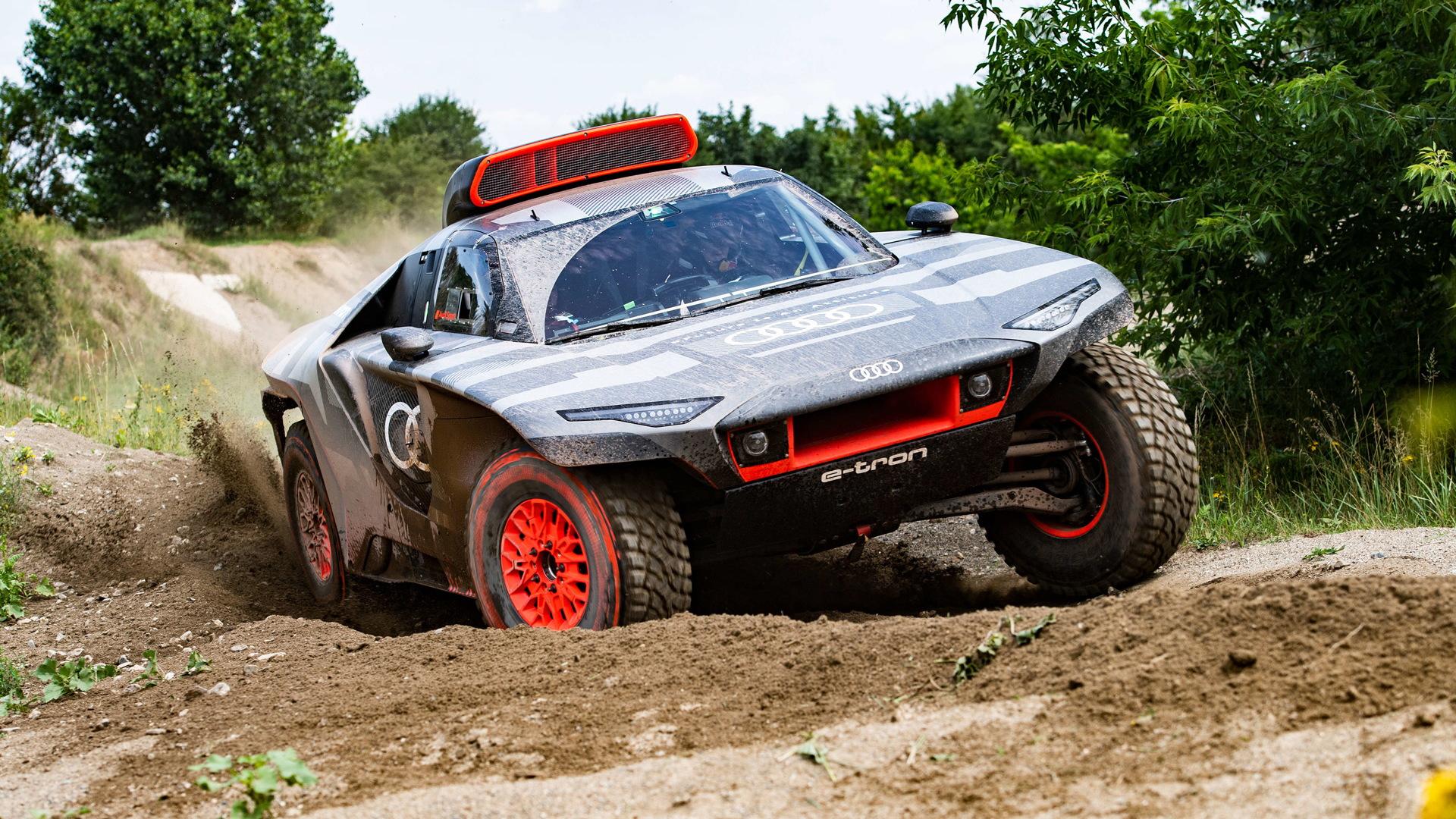 2022 Audi RS Q E-Tron Dakar Rally contender