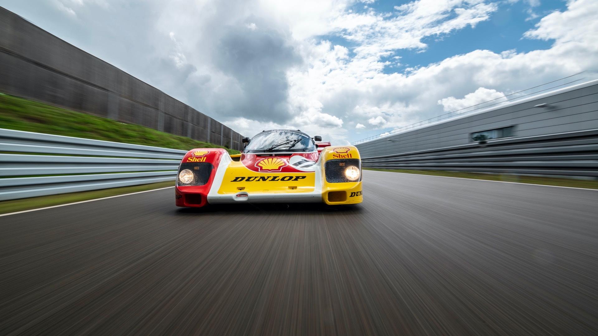 Porsche 962 C restored to original condition