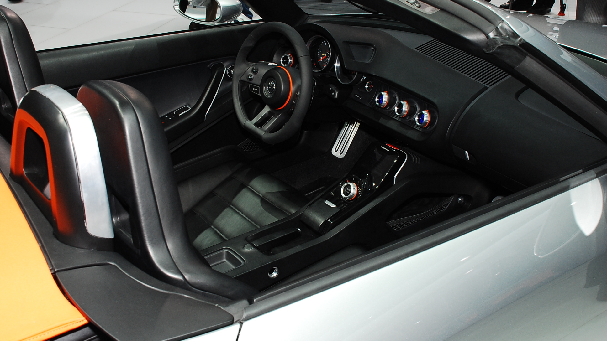 2009 volkswagen bluesport roadster concept live 05 1