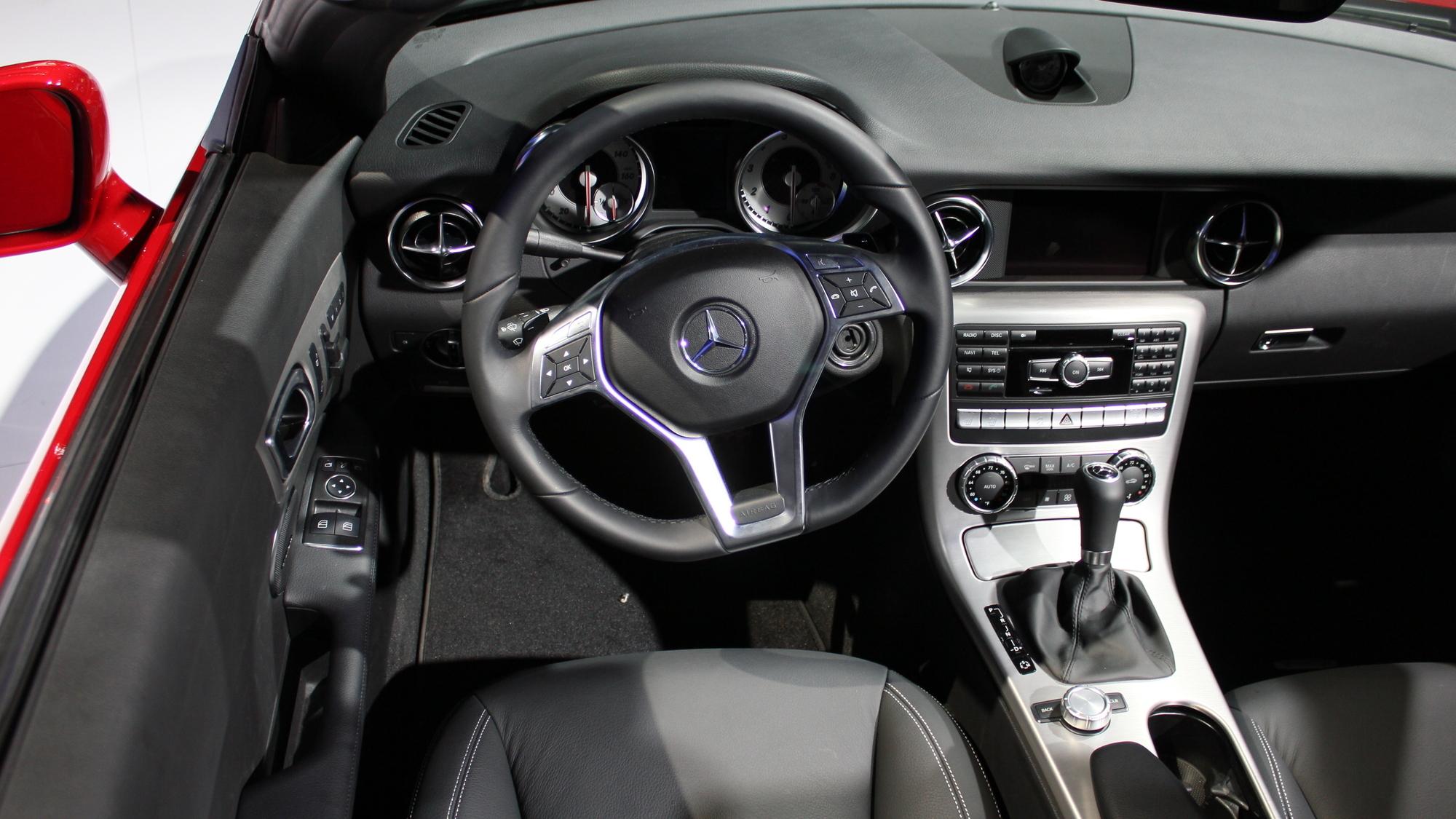 2012 Mercedes-Benz SLK 350 live photos