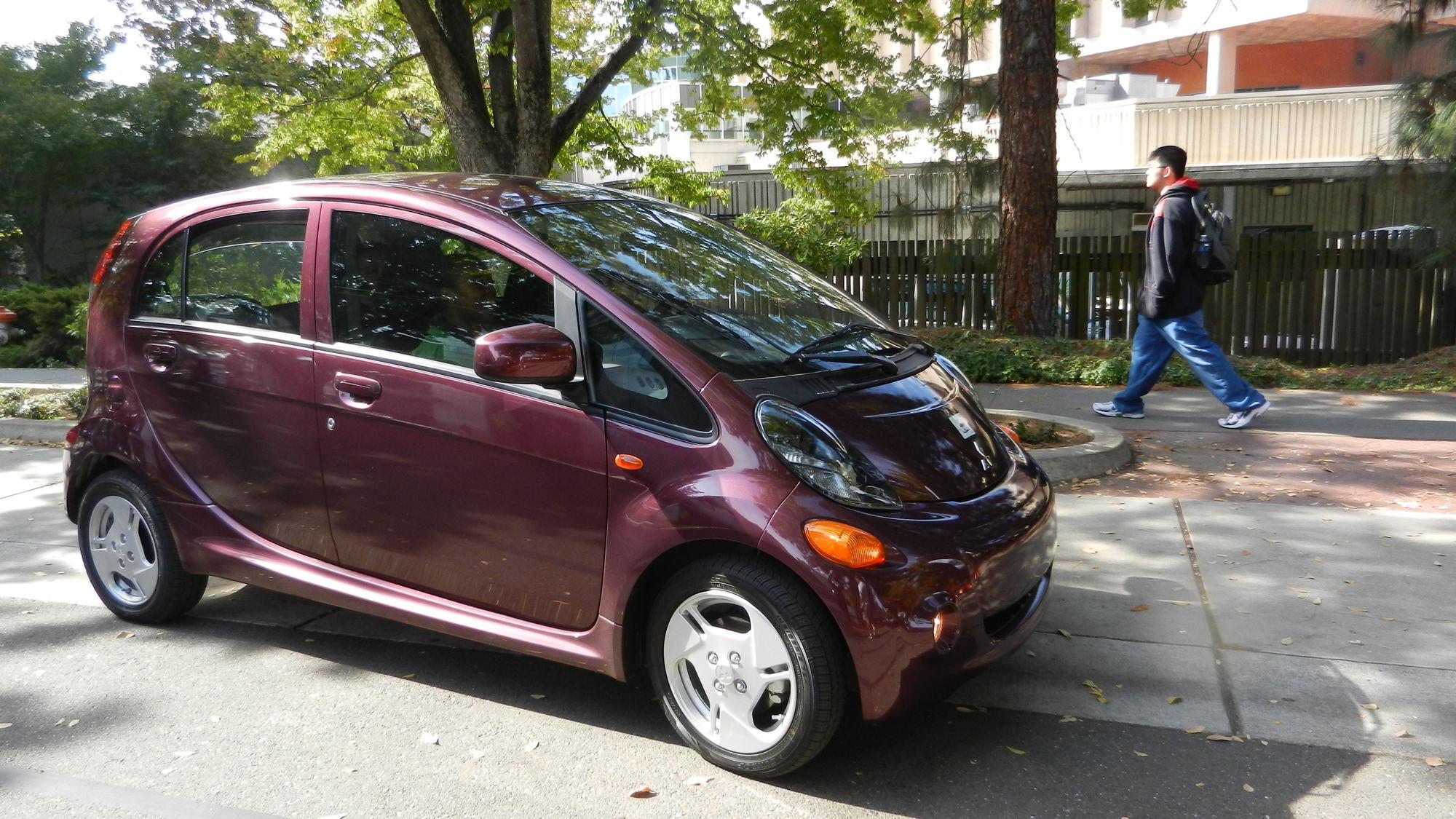 red 2012 Mitsubishi i