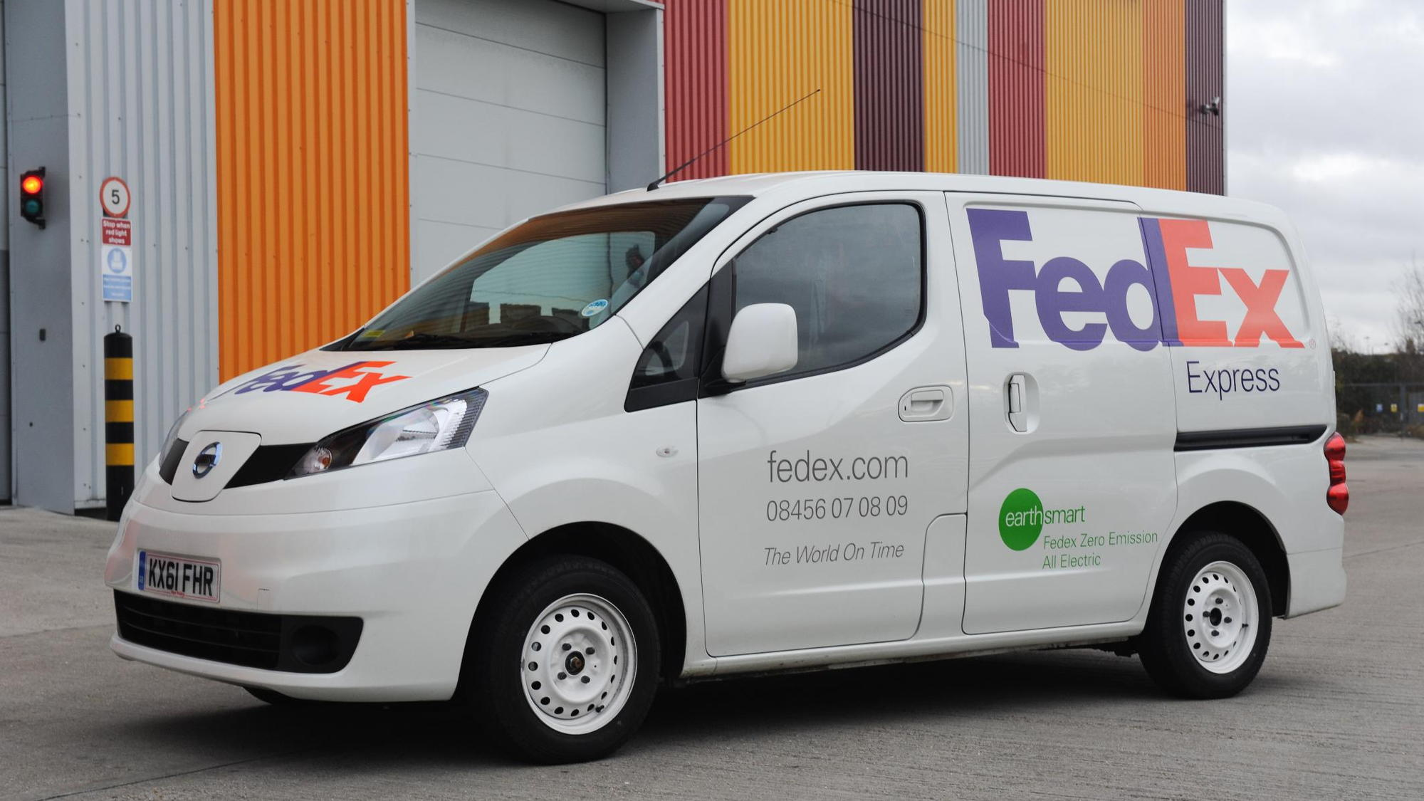 FedEx to use Nissan NV200 electric van in London