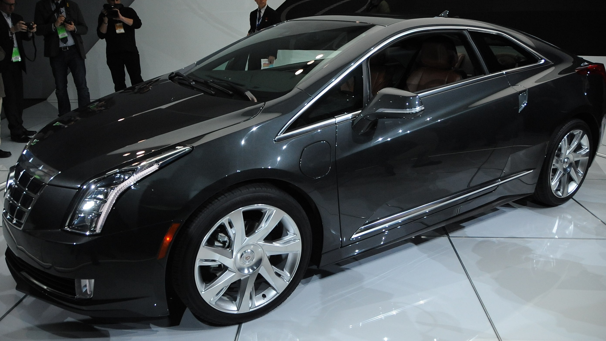 2017 Cadillac Elr Revealed At Detroit Auto Show