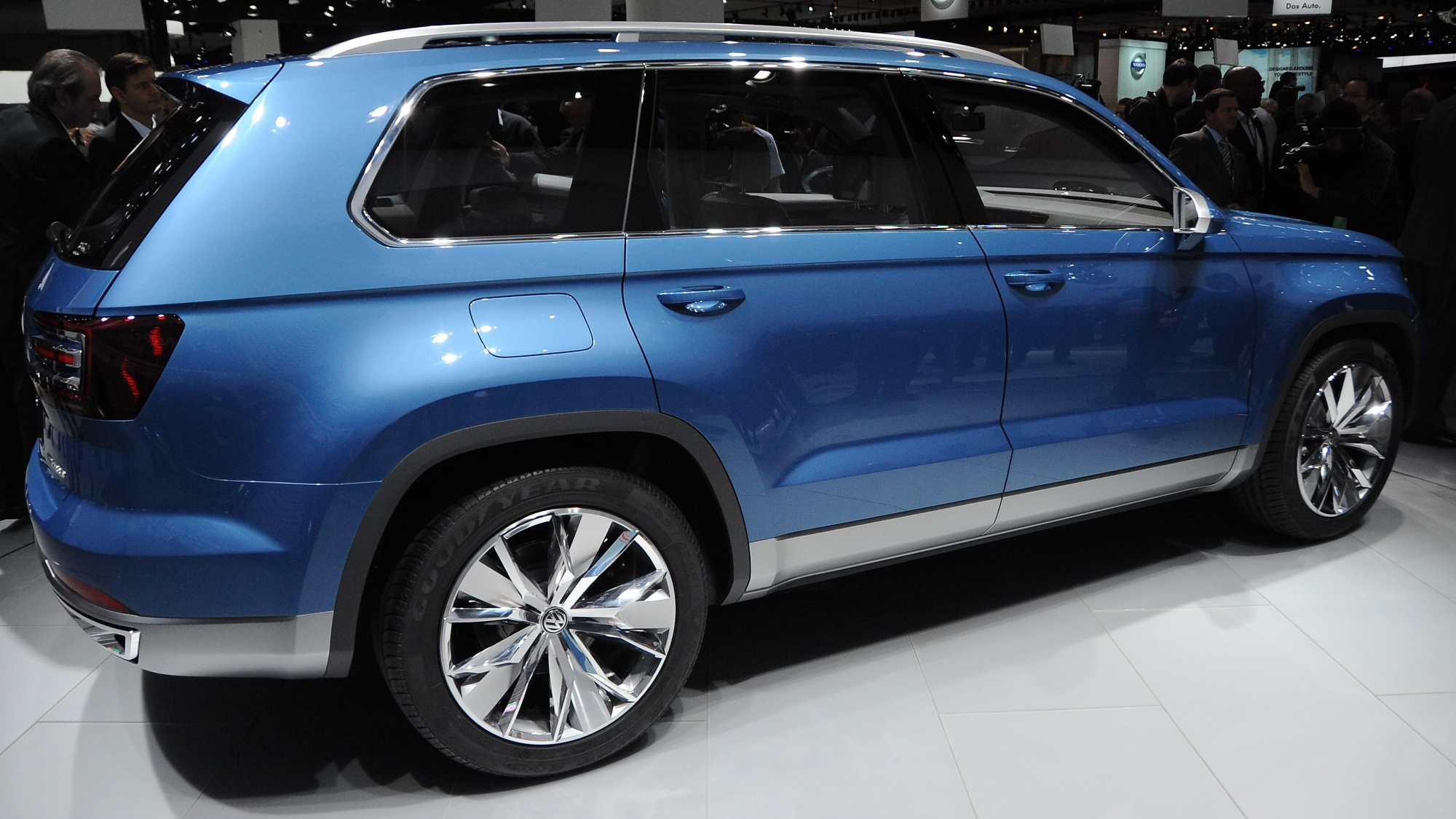 Volkswagen CrossBlue Concept at the 2013 Detroit Auto Show