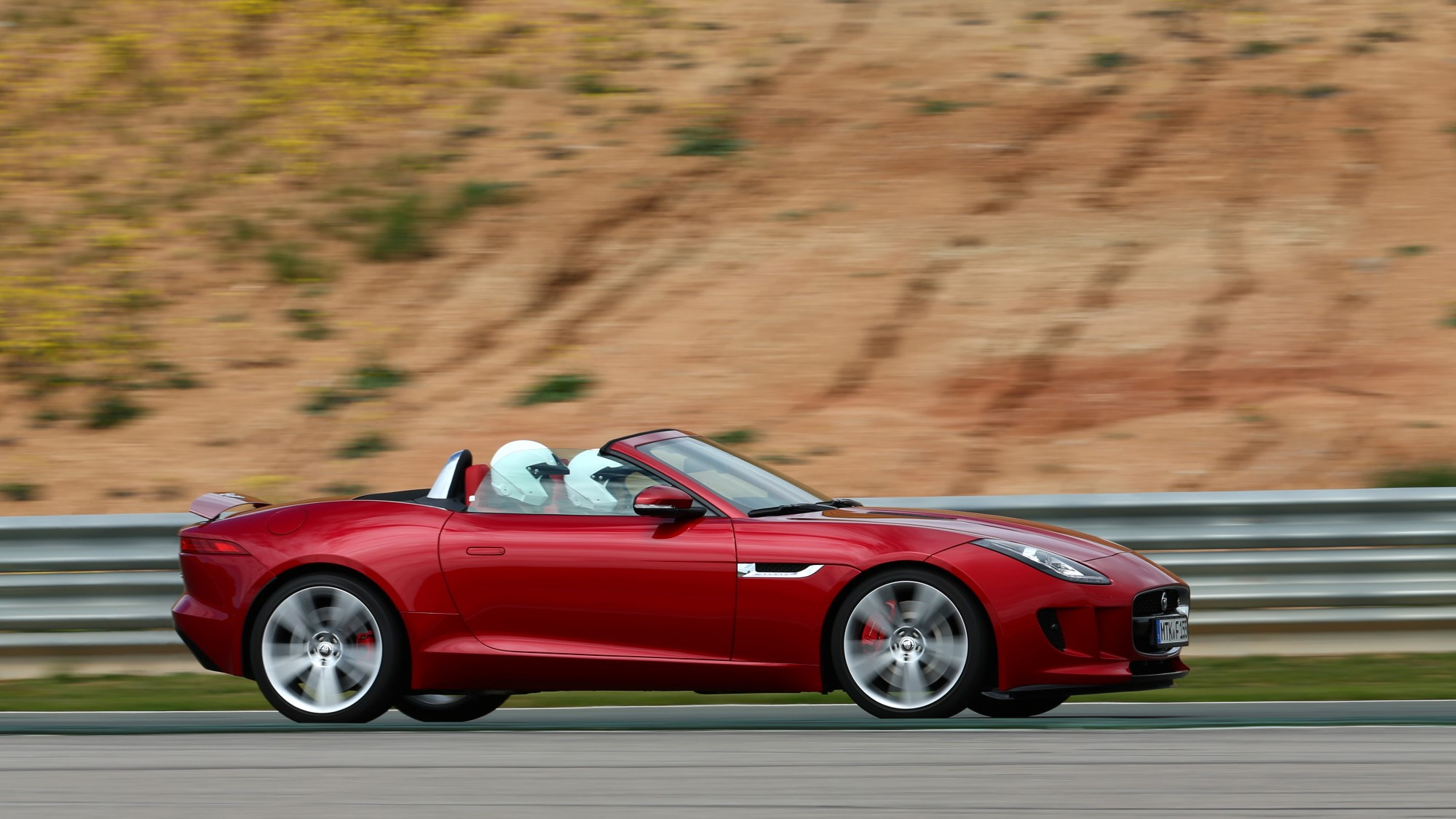 2014 Jaguar F-Type first drive