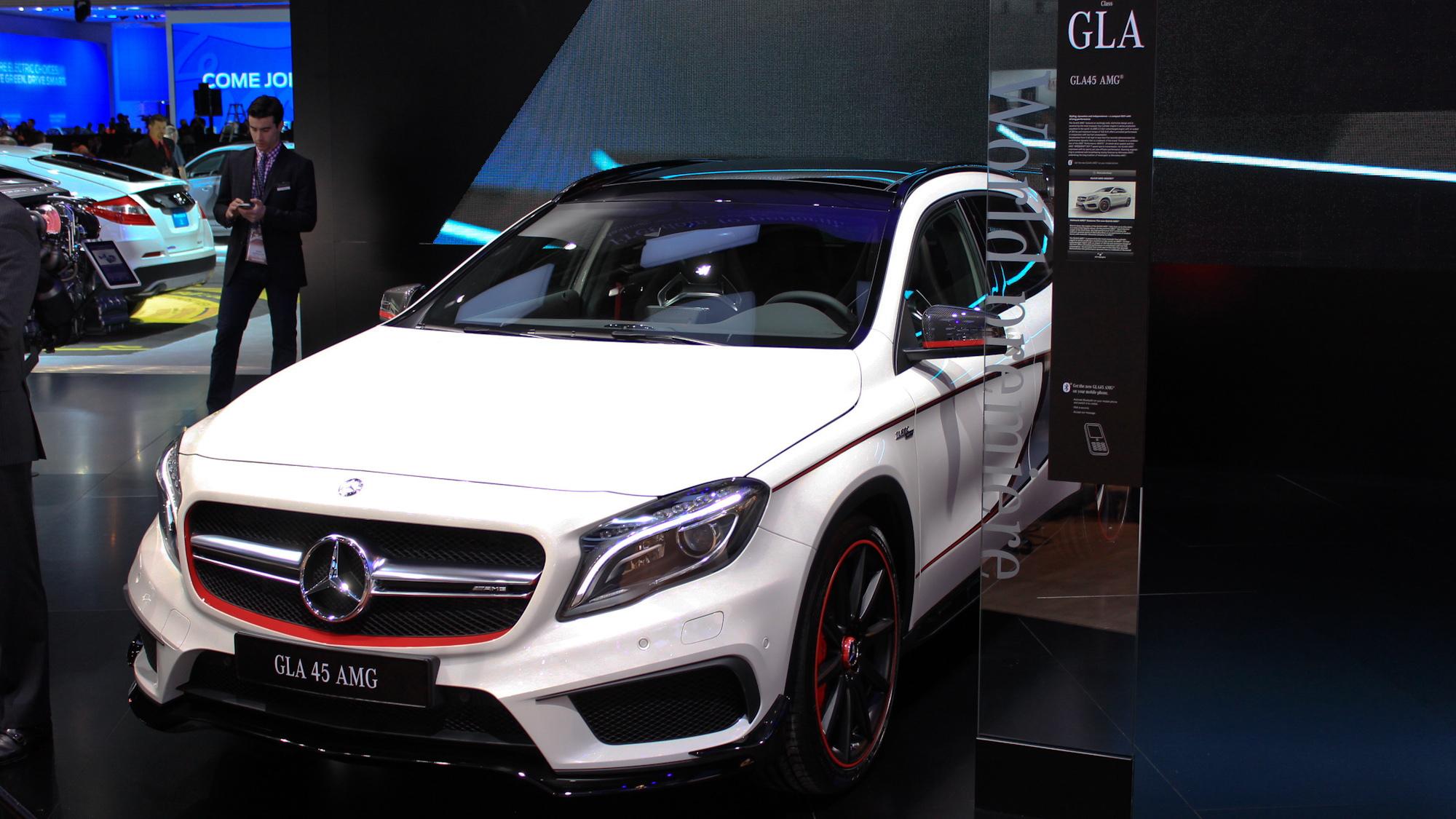 2015 Mercedes-Benz GLA45 AMG live photos, 2014 Detroit Auto Show