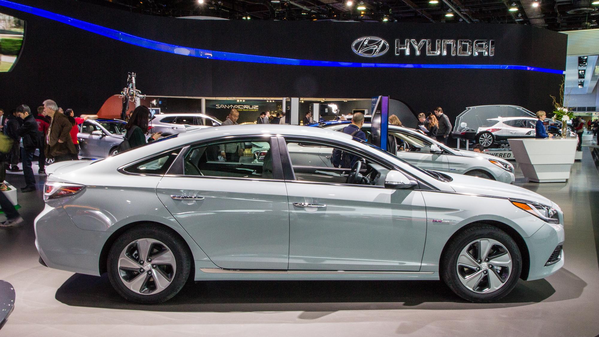 2016 Hyundai Sonata Plug-In Hybrid live photos, 2015 Detroit Auto Show