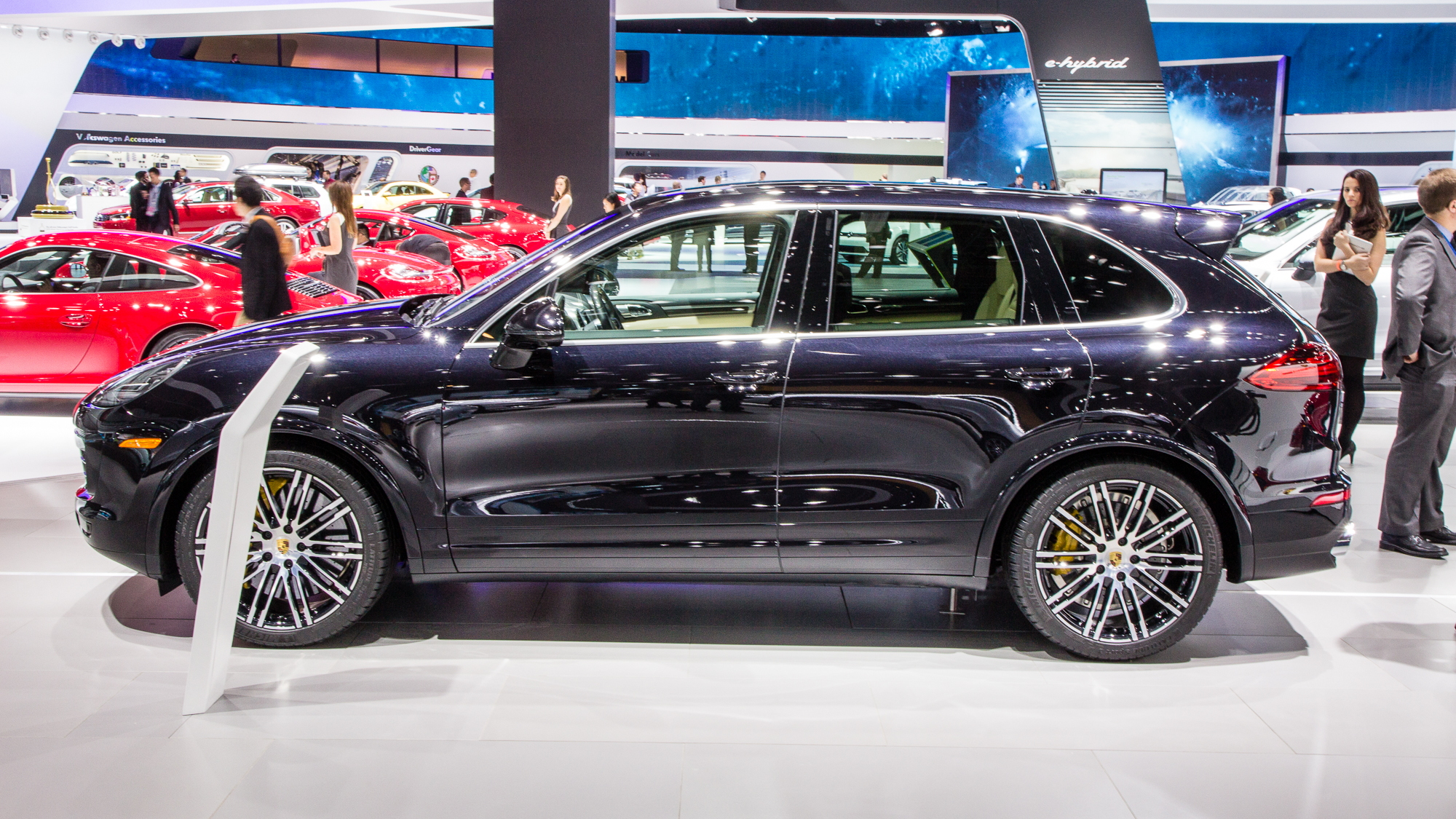 2016 Porsche Cayenne Turbo S live photos, 2015 Detroit Auto Show