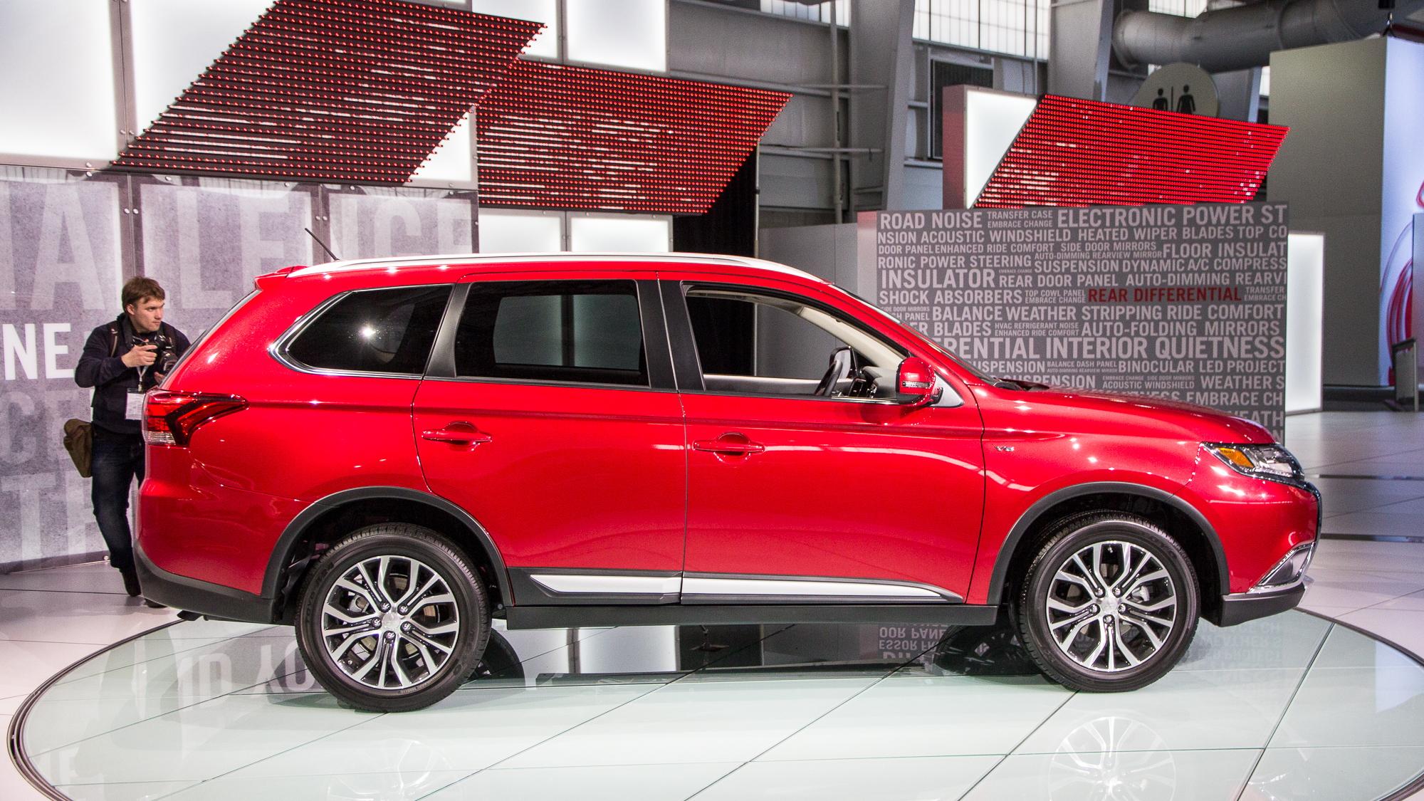2016 Mitsubishi Outlander, 2015 New York Auto Show