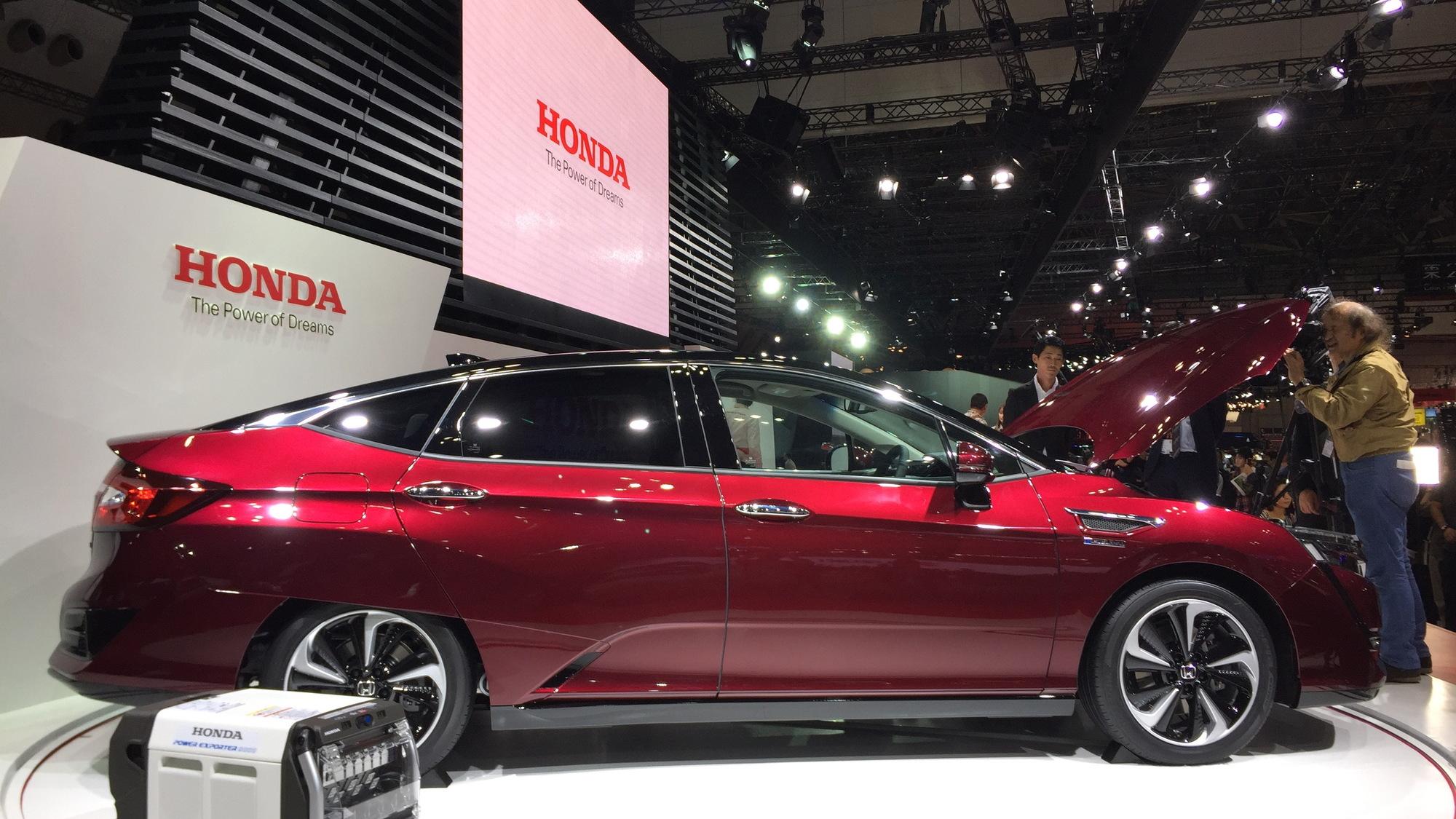 Honda Clarity Fuel Cell, 2015 Tokyo Motor Show