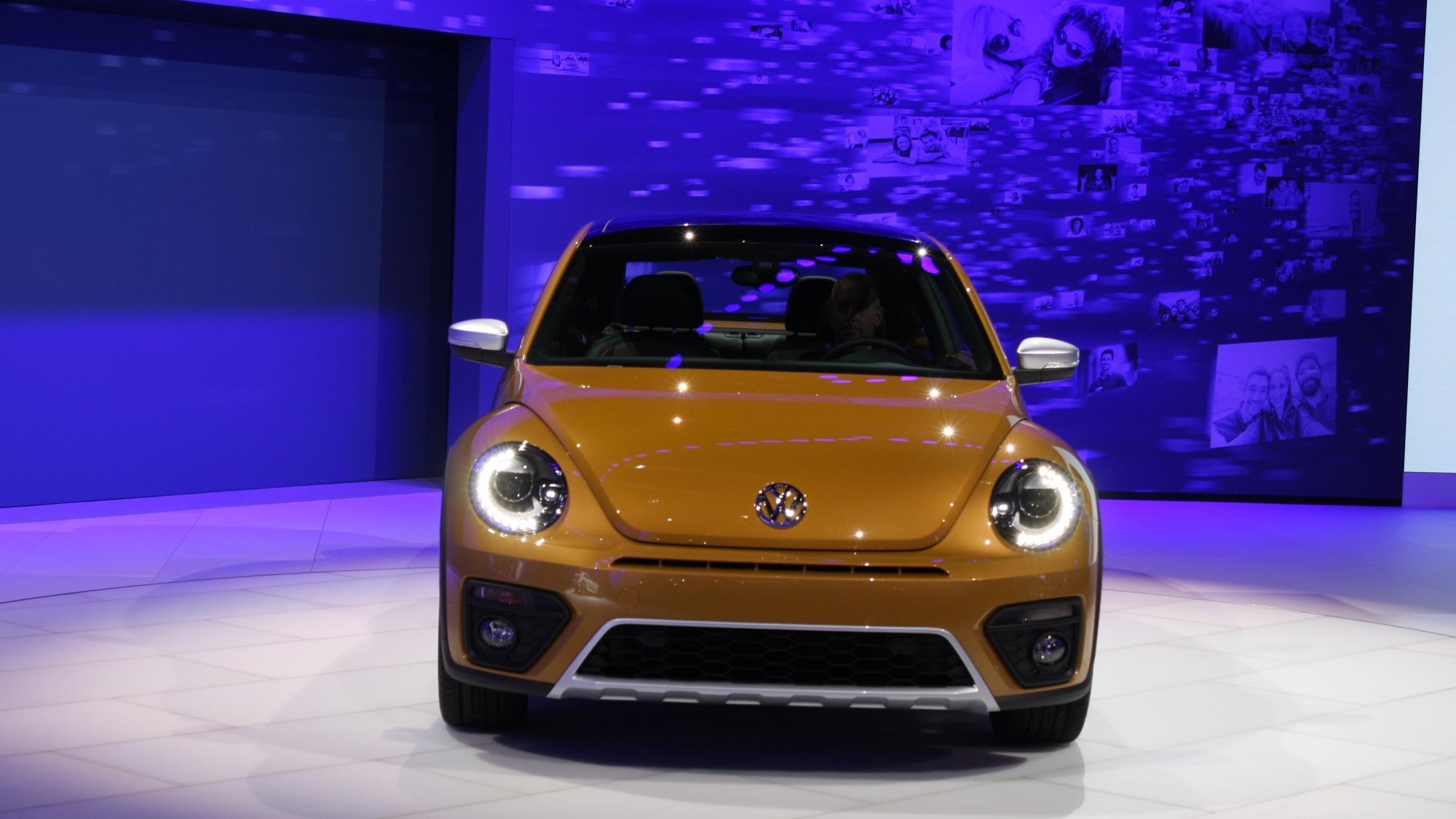 2016 Volkswagen Beetle Dune, 2015 Los Angeles Auto Show