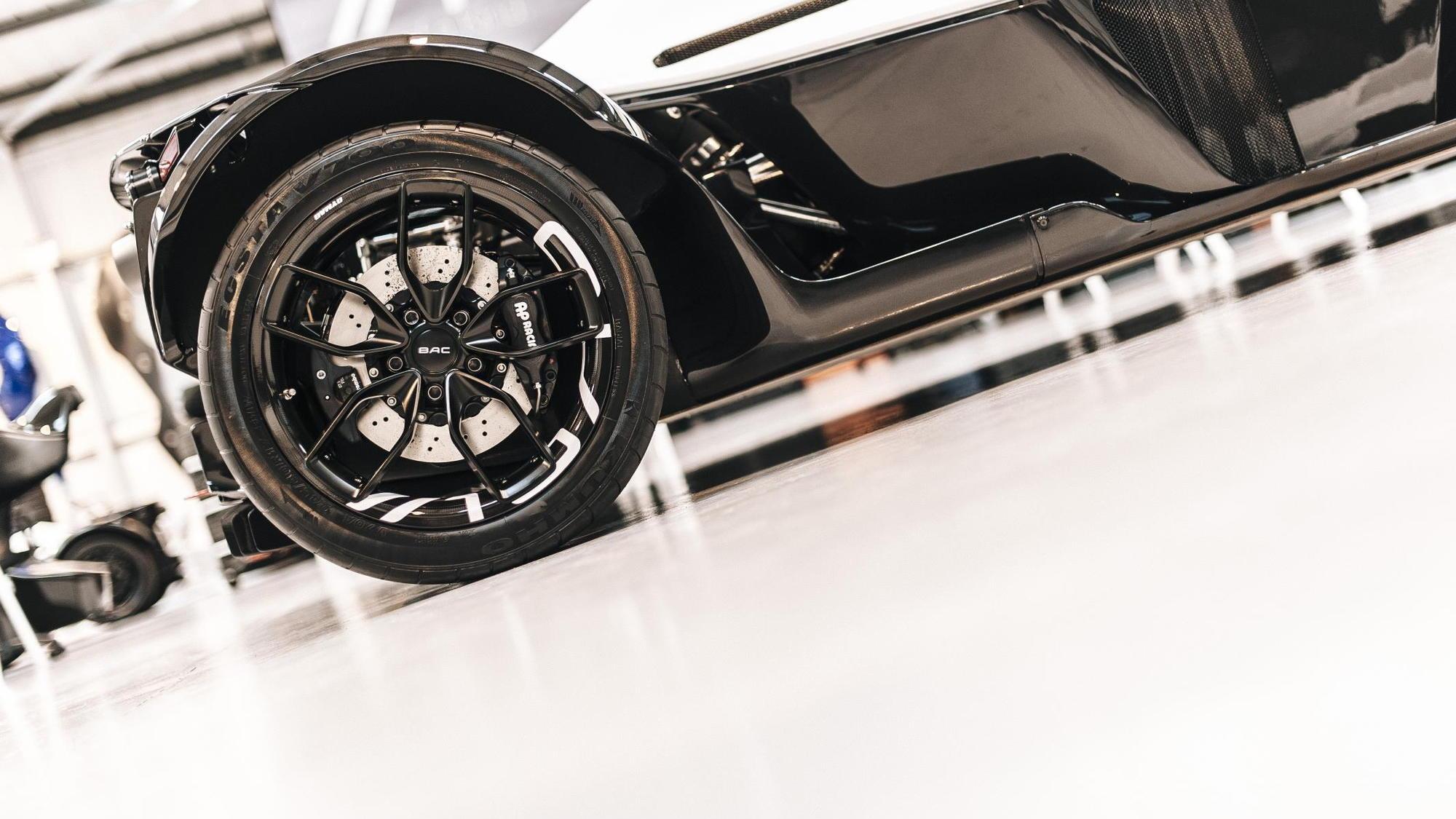 BAC carbon fiber wheel set