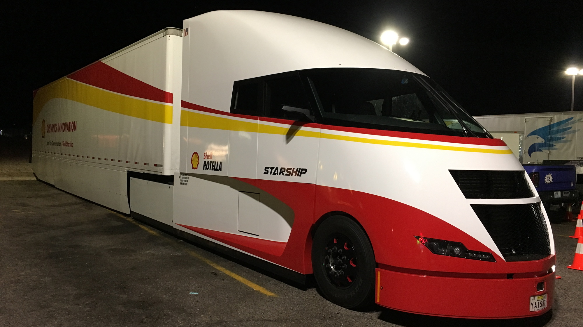 Shell Airflow Starship truck fuels up in Gila Bend, AZ, on cross-country efficiency run