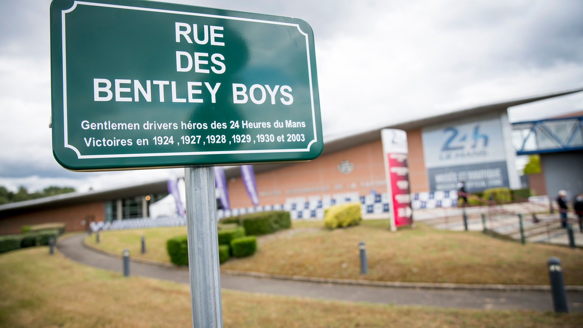 Le Mans renames street 'Bentley Boys' to honor Bentley
