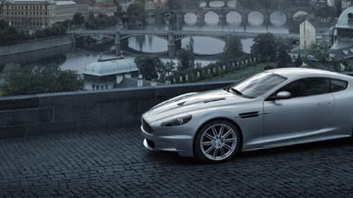 Video Aston Martin Dbs Takes To The Track