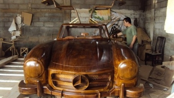 Wooden Mercedes-Benz 300SL on eBay.de