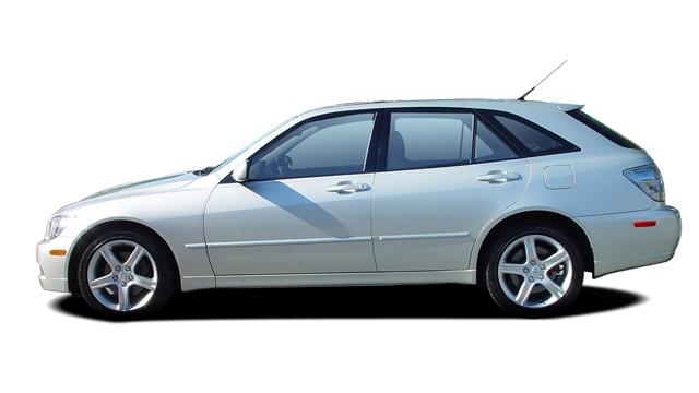 2005 Lexus IS 300 5dr SportCross Wagon Auto Side Exterior View