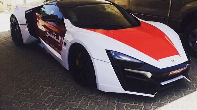 Lykan Hypersport joins the Abu Dhabi police force. Image via zero2turbo.