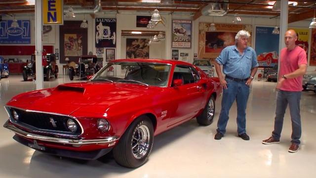 Jay Leno checks out a 1969 Boss 429