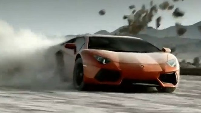 Lamborghini Aventador LP700-4 in first official commercial
