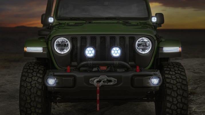 Mopar-modified Jeep Wrangler boasts extra lighting