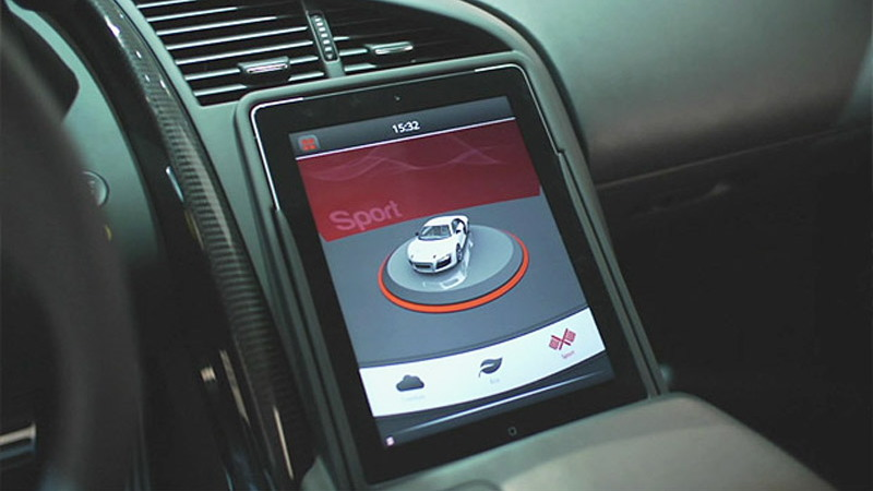 Digital center stack of Audi R8 e-tron prototype - Image courtesy of Plug-In Cars