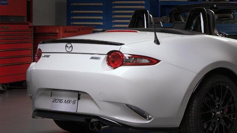 2016 Mazda MX-5 accessories concept preview, 2015 Chicago Auto Show