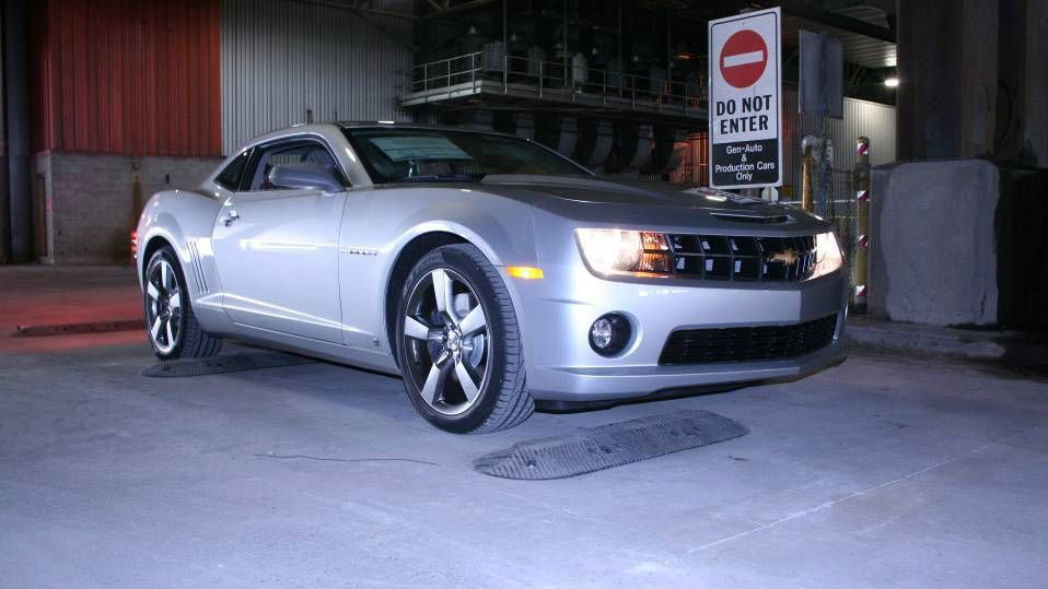 2010 chevrolet camaro production line 020