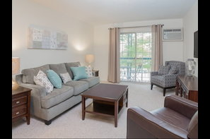 Greenview Village - 49 Reviews | Manchester, NH Apartments