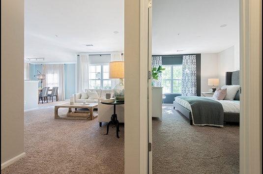 Bell at Salem Station - 131 Reviews | Salem, MA Apartments